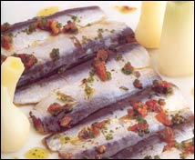 Sardinas saladas con tomate seco y peras de Puigcerdá