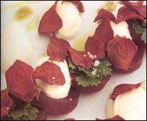 Ensalada de remolacha roja con queso fresco