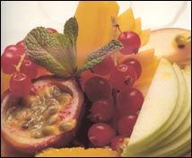 Ensalada de frutas con granizado de té