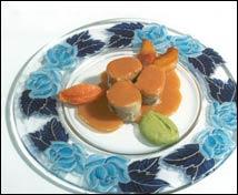 Manitas de cerdo rellenas de perdiz y espinacas con salsa de zanahoria