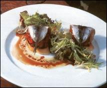 Ensalada de anchoas con piquillos