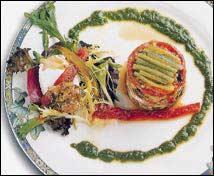 Hortalizas asadas con bacalao, vinagreta de borrajas y huevo de corral