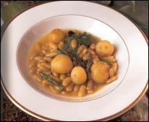 Las verdinas en su guiso de trigueros, berza y patatas nuevas